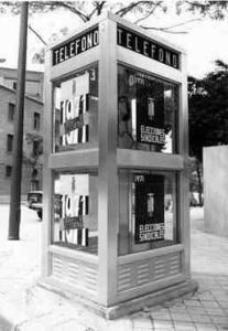 Cabina telefónica en 1971