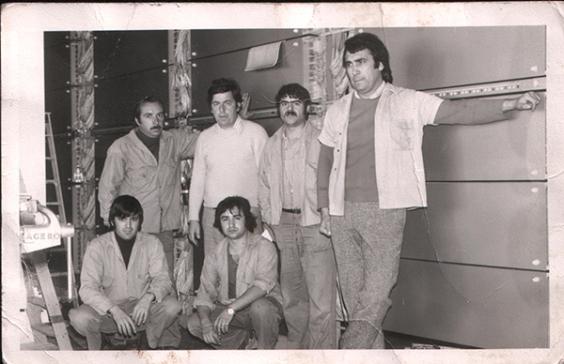 Personal de Standard Electrica , años 1970. El primero por la derecha Alejandro Cazorla