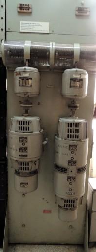 Detalle equipo generador de tonos y timbres, casa Kellogs