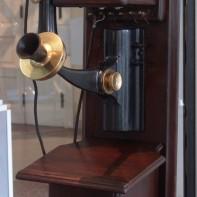Teléfono Western Electric, finales Siglo XIX (Archivo Museo ETECSA)