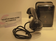 Teléfono intercomunicador
