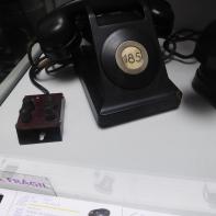 Teléfono sobremesa batería central años 1930