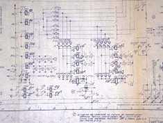 Detalle de un plano de una central de Barras cruzadas Pentaconta. Estos planos se utilizaban por los operadores de la central para seguir los elementos de la central en la identificación de averías