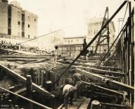 Fase inicial de la construcción del edificio de la Cuban Telephone Company, 1925