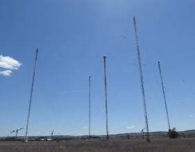 Antenas del antiguo centro emisor de RNE en Arganda (Madrid)