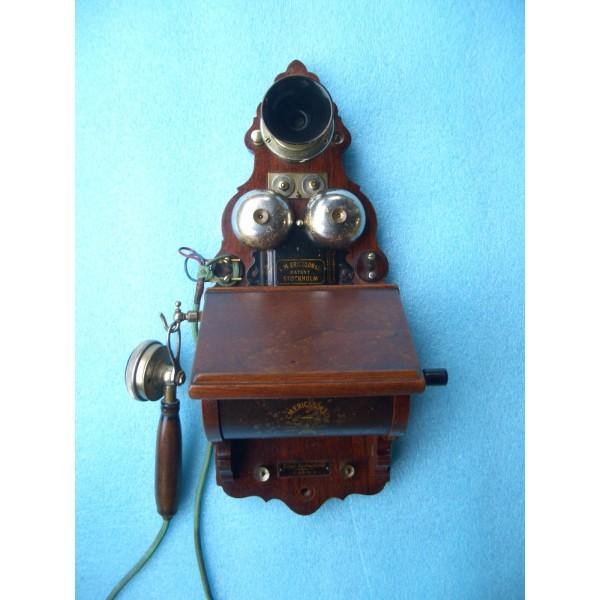 Teléfono del primer locutorio público de El Burgo de Osma. 20-11-1915